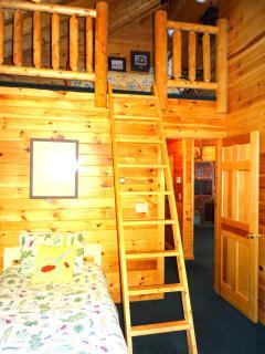 upper loft full size bed sleeps 2