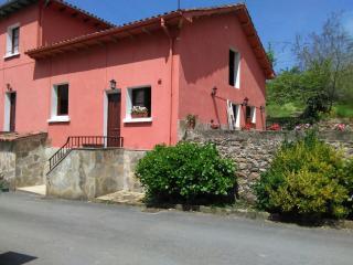 Estupenda casa con jardin, Prado