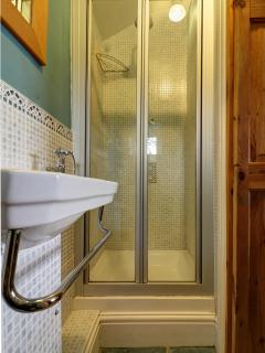 Fixed overhead shower