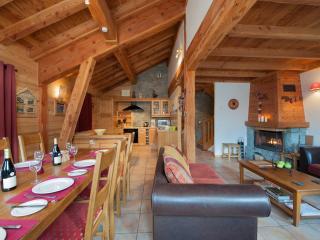 Chalet Les Laurels - Self-catered Ski Chalet