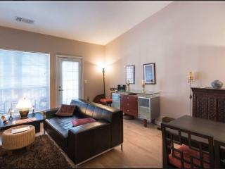 Furnished 1-Bedroom Condo at King St & N Hampton Dr Alexandria, Alejandría