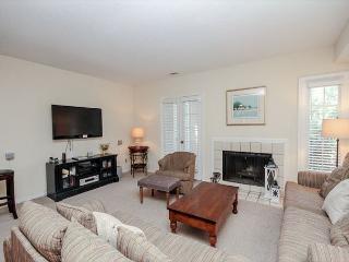 Evian 288, 3 Bedrooms, Sleeps 8, Golf & Lagoon View, Hilton Head