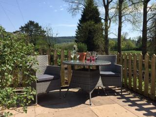 New Charming retreat at foot of Lake Windermere, Newby Bridge