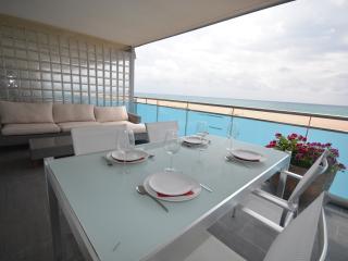 Magnifico apartamento en primera linea del mar, Castelldefels