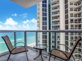 Luxurious 2BR Ocean View/Oceanfront @ Marenas