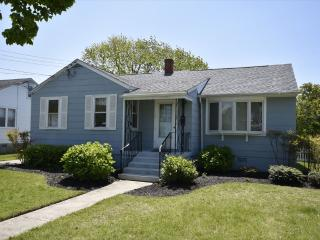 Pet Friendly Cottage near Beach 131417, Cape May