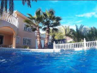 Wohnung in traumhafter  Villa mit  Privatpool, La Marina