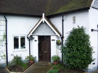 Rydes Hill Cottage Apartment, Guildford