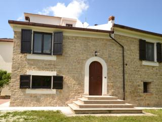 Traditional recently renovated villa