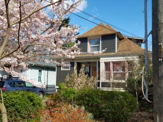 Classic Seattle Craftsman 4BR/2BA Capitol Hill/CD