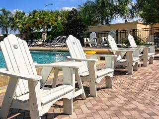 Pine View Serenity, Beautiful Condo with Hot Tub and Gym, Kissimmee