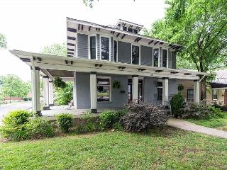 Historic House in East Nashville, Newly Furnished With High-End Fixtures