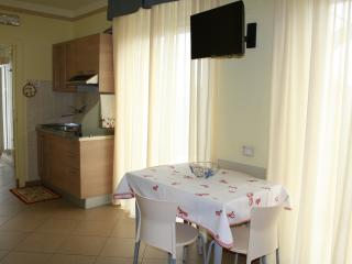 Anchise apartment for five guests - 1, Alba Adriatica