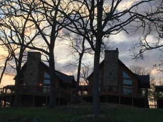 Table Rock Lakefront Lodges Near Branson and SDC
