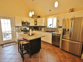 3 bedroom condo, central to Camden and Rockland