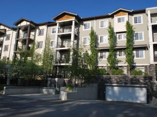 Cozy 2Br / 2 Ba Condo in Ranchlands, Calgary