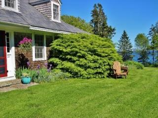 Classic Maine summer home on bold ocean frontage, large lawn., Port Clyde