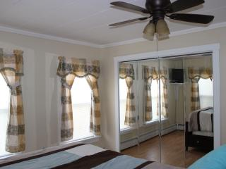 Perfect Location & Best Prices! 5th house to beach