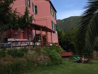 Vicino 5 Terre camera, cucina, terrazzo, giardino