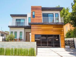Modern & Immaculate Architectural Hollywood Home.!