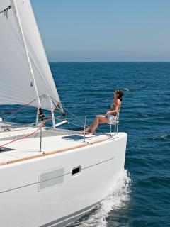 A SailChecker Lagoon 450 for Charter in Trogir