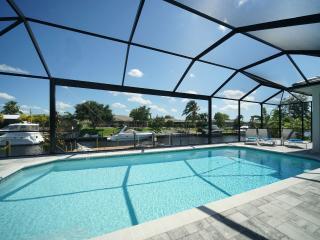 Neubau 2016 Superlage !! TOP Ausstattung !!!, Cape Coral