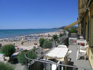 Toplage direkt am Strand im Zentrum, Castiglione Della Pescaia