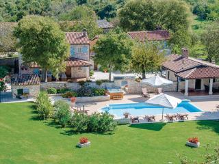Villa in Tinjan, Istria, Croatia, Mofardini