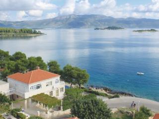 4 bedroom Apartment in Korcula Lumbarda, South Dalmatia, Korcula, Croatia : ref