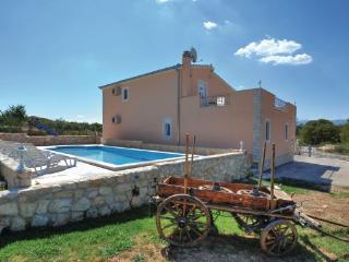 4 bedroom Villa in Split Dicmo, Central Dalmatia, Split, Croatia : ref 2046460, Sinj