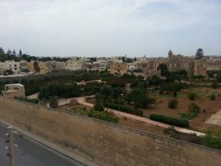 3 DOUBLE BEDROOM  WITH PRIVACY AND VIEWS, Balzan