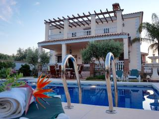 Luxury villa with private pool MALAGA 5 people, Alhaurín el Grande