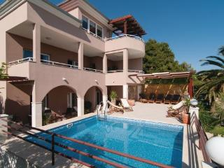 8 bedroom Villa in Trogir Kastel Gomilica, Central Dalmatia, Trogir, Croatia : ref 2046824