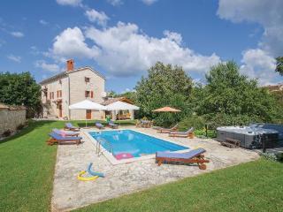 Villa in Tinjan Basici, Istria, Tinjan, Croatia