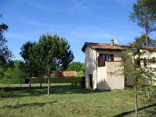 2 bedroom Villa in Mezos, Nouvelle-Aquitaine, France : ref 5049986