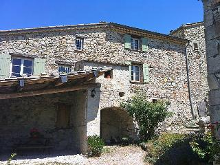Nice home in Buis-les-Baronnies w/ 2 Bedrooms