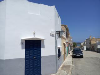 casita Girasol, S'illot