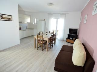 Value for money apartment Martina, Bibinje