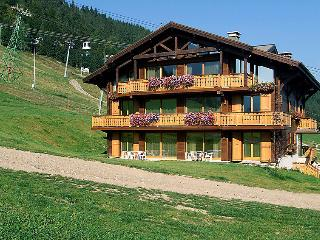 3 bedroom Apartment in Morzine, Auvergne-Rhone-Alpes, France : ref 5051347