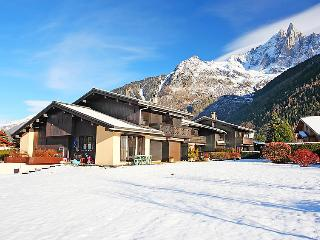 2 bedroom Apartment in Les Praz-de-Chamonix, Auvergne-Rhône-Alpes, France : ref