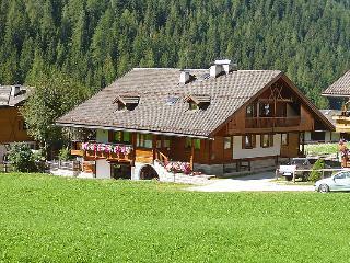 4 bedroom Villa in Canazei, Dolomites, Italy : ref 2057674, Penia
