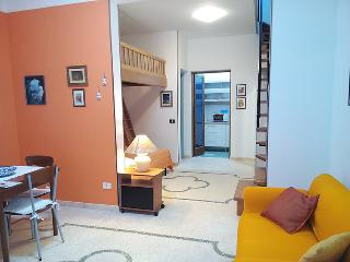 1 bedroom Villa with Air Con and Walk to Beach & Shops - 5056361