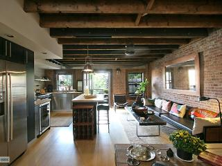 Balinese Carriagehouse Duplex 2200sf 2BR & 2 Decks, Brooklyn