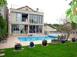3 bedroom Villa in Paris   Pantin, Ile de France, France : ref 2059732, Les Lilas