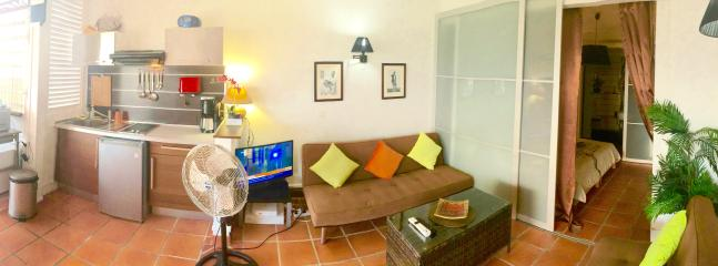 kitchen, living room, entrance to bedroom