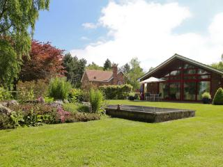 Surlingham Lodge Cottages