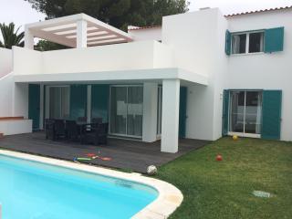 Prainha villa private pool, sea views, on beach, Alvor