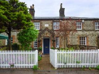 2 STATION COTTAGES, Grade II listed flint cottage, woodburner, enclosed garden, in Wymondham, Ref 936399