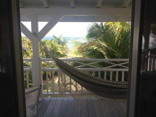 Balcons Off Of your room showing view With. Hammock