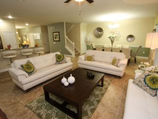Professionally Furnished 9 Bedroom Pool Home, Davenport